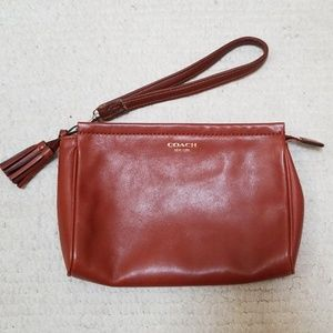 Brown Coach Wristlet Good Condition Pre loved